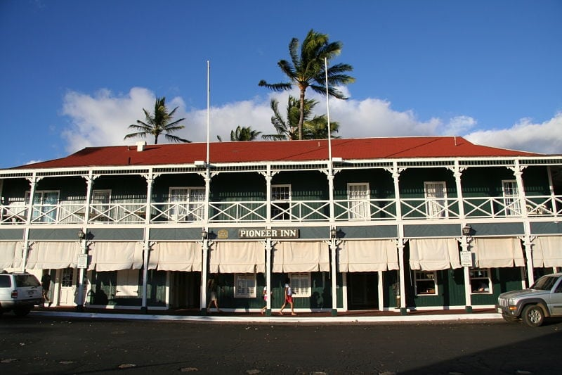 If You Re Crazy About Maui Ocean Tours And Looking For Conveniently Located Affordable Accommodations May Want To Try The Pioneer Inn This